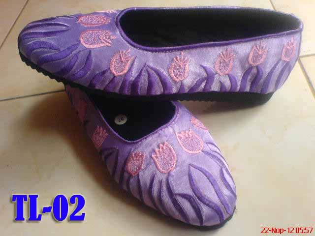 motif tulip ungu